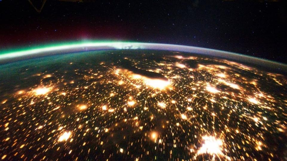 девушки сговорчивы, фото в космосе светящегося города день, сегодня расскажу